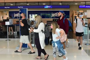 Cuomo adjusts quarantine order for 'non-essential' travel