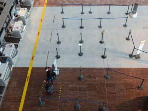 COVID setbacks threaten air travel return