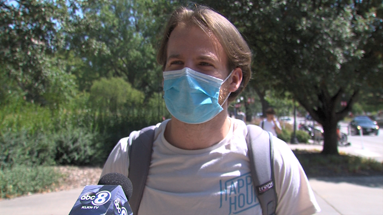 Locals and visitors split on local and travel mask DHMs